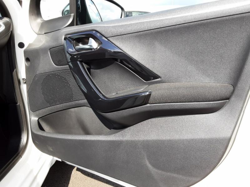 Photo 30 de l'offre de PEUGEOT 208 1.6 BlueHDi 100ch SetS BVM5 Allure Business à 12490€ chez Centrale auto marché Périgueux