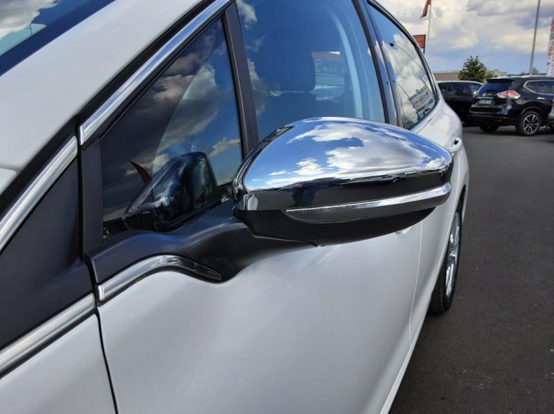 Photo 35 de l'offre de PEUGEOT 208 1.6 BlueHDi 100ch SetS BVM5 Allure Business à 12490€ chez Centrale auto marché Périgueux