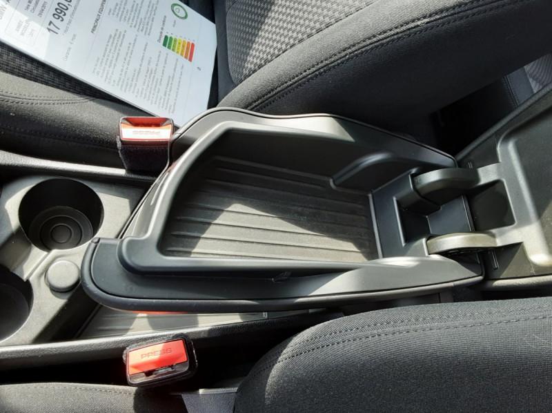 Photo 47 de l'offre de BMW SERIE 2 ACTIVE TOURER 218d BVA8 Business à 17990€ chez Centrale auto marché Périgueux