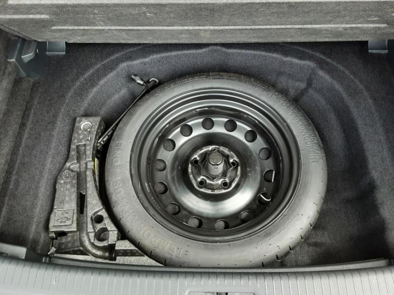 Photo 29 de l'offre de VOLKSWAGEN GOLF VII 1.6 TDI 115 BlueMotion Trendline à 13490€ chez Centrale auto marché Périgueux