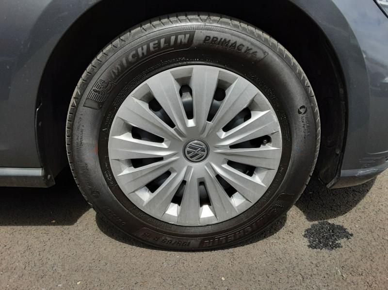 Photo 48 de l'offre de VOLKSWAGEN GOLF VII 1.6 TDI 115 BlueMotion Trendline à 13490€ chez Centrale auto marché Périgueux