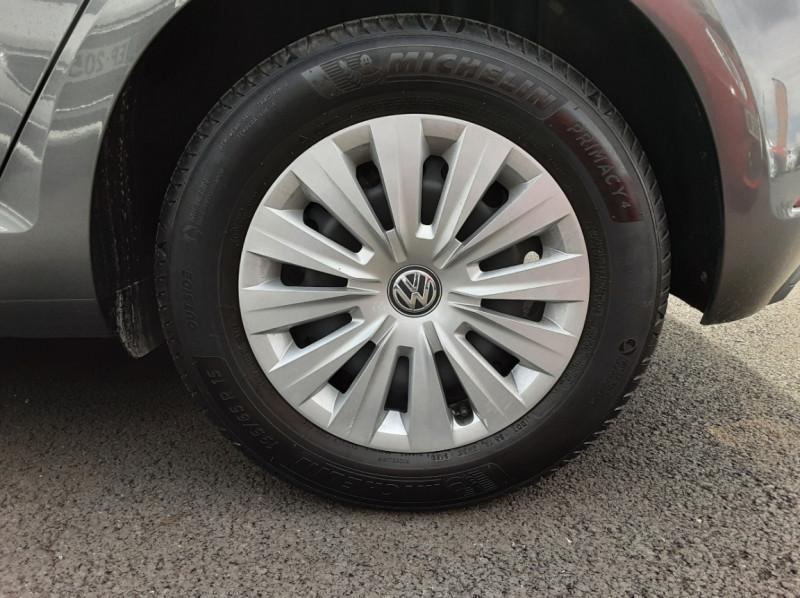 Photo 46 de l'offre de VOLKSWAGEN GOLF VII 1.6 TDI 115 BlueMotion Trendline à 13490€ chez Centrale auto marché Périgueux