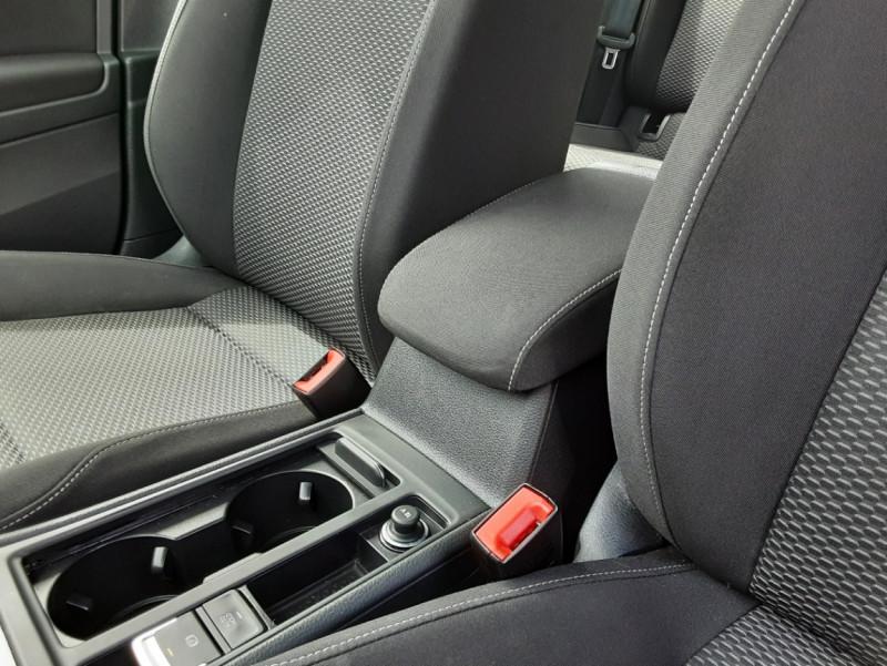 Photo 37 de l'offre de VOLKSWAGEN GOLF VII 1.6 TDI 115 BlueMotion Trendline à 13490€ chez Centrale auto marché Périgueux