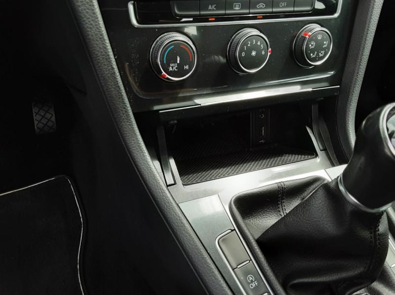 Photo 33 de l'offre de VOLKSWAGEN GOLF VII 1.6 TDI 115 BlueMotion Trendline à 13490€ chez Centrale auto marché Périgueux