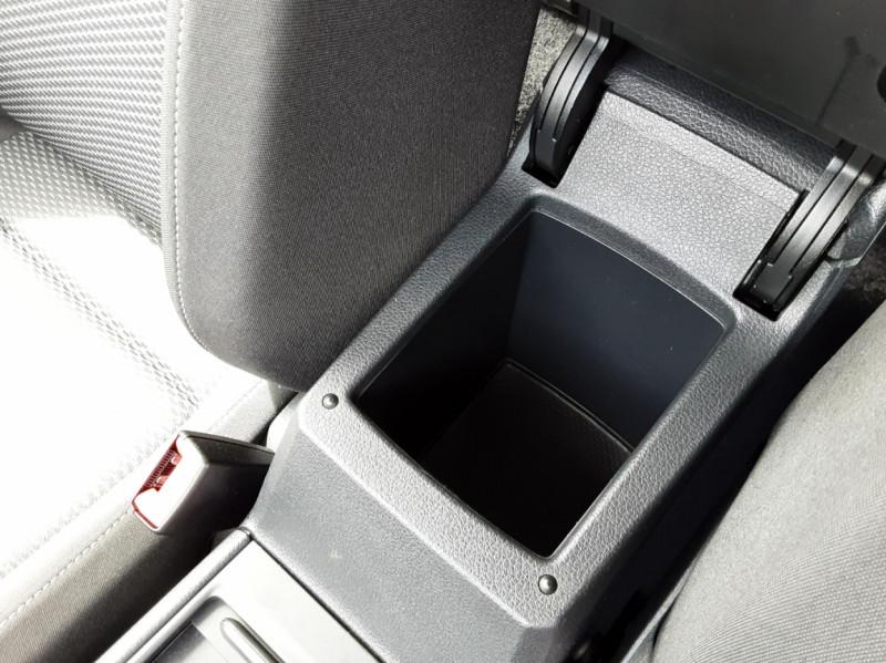 Photo 44 de l'offre de VOLKSWAGEN GOLF VII 1.6 TDI 115 BlueMotion Trendline à 13490€ chez Centrale auto marché Périgueux