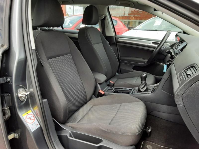 Photo 40 de l'offre de VOLKSWAGEN GOLF VII 1.6 TDI 115 BlueMotion Trendline à 13490€ chez Centrale auto marché Périgueux