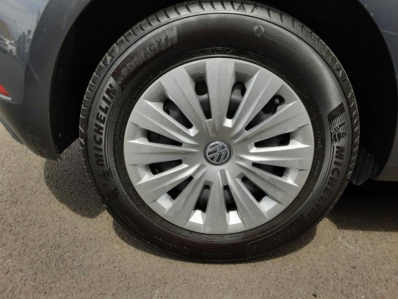 Photo 49 de l'offre de VOLKSWAGEN GOLF VII 1.6 TDI 115 BlueMotion Trendline à 13490€ chez Centrale auto marché Périgueux