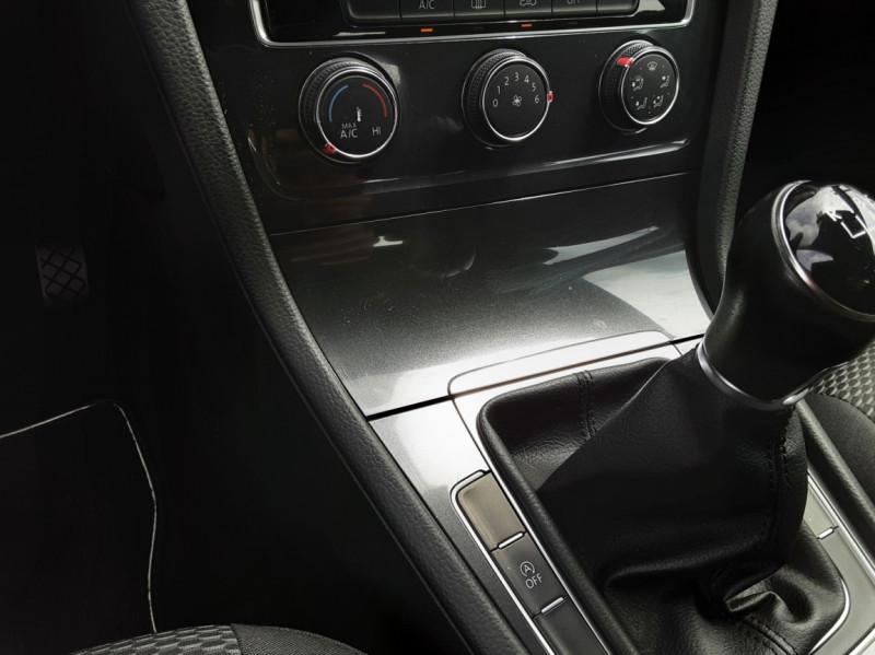 Photo 32 de l'offre de VOLKSWAGEN GOLF VII 1.6 TDI 115 BlueMotion Trendline à 13490€ chez Centrale auto marché Périgueux