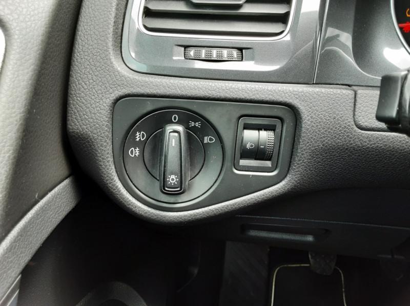 Photo 22 de l'offre de VOLKSWAGEN GOLF VII 1.6 TDI 115 BlueMotion Trendline à 13490€ chez Centrale auto marché Périgueux