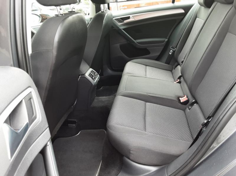Photo 14 de l'offre de VOLKSWAGEN GOLF VII 1.6 TDI 115 BlueMotion Trendline à 13490€ chez Centrale auto marché Périgueux