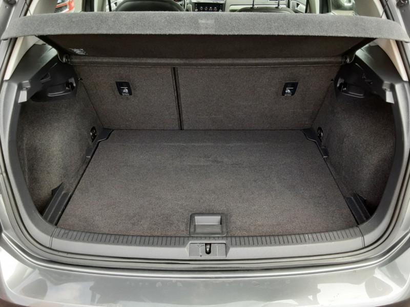 Photo 15 de l'offre de VOLKSWAGEN GOLF VII 1.6 TDI 115 BlueMotion Trendline à 13490€ chez Centrale auto marché Périgueux