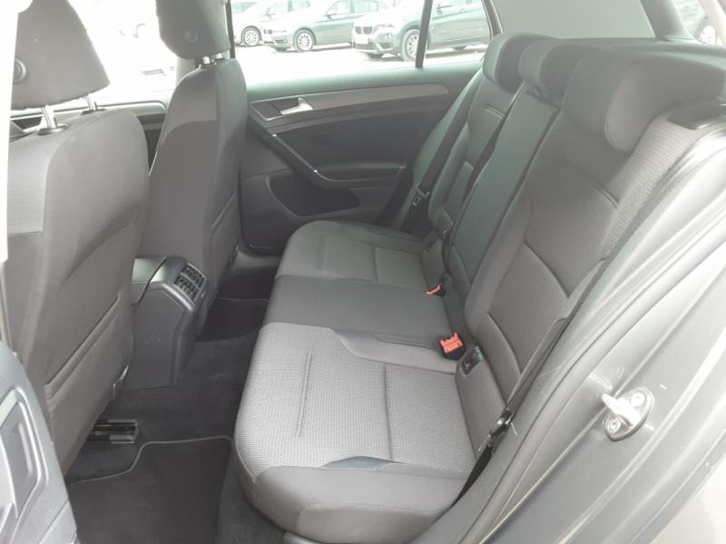 Photo 44 de l'offre de VOLKSWAGEN GOLF 1.6 TDI 115ch BMT FAP Confortline Business à 14490€ chez Centrale auto marché Périgueux