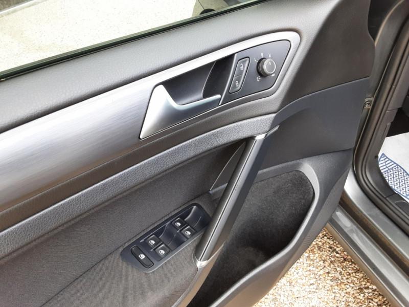 Photo 5 de l'offre de VOLKSWAGEN GOLF 1.6 TDI 115ch BMT FAP Confortline Business à 14490€ chez Centrale auto marché Périgueux