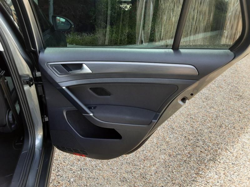 Photo 40 de l'offre de VOLKSWAGEN GOLF 1.6 TDI 115ch BMT FAP Confortline Business à 14490€ chez Centrale auto marché Périgueux