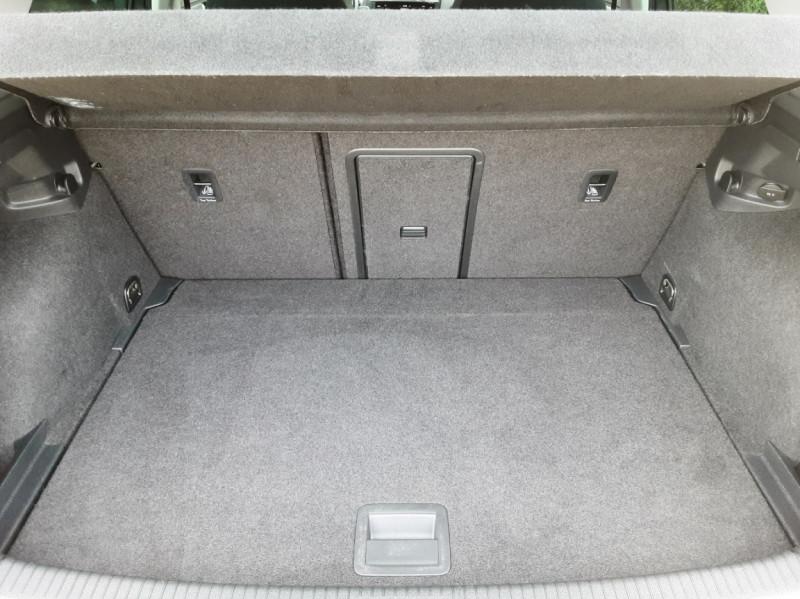 Photo 26 de l'offre de VOLKSWAGEN GOLF 1.6 TDI 115ch BMT FAP Confortline Business à 14490€ chez Centrale auto marché Périgueux