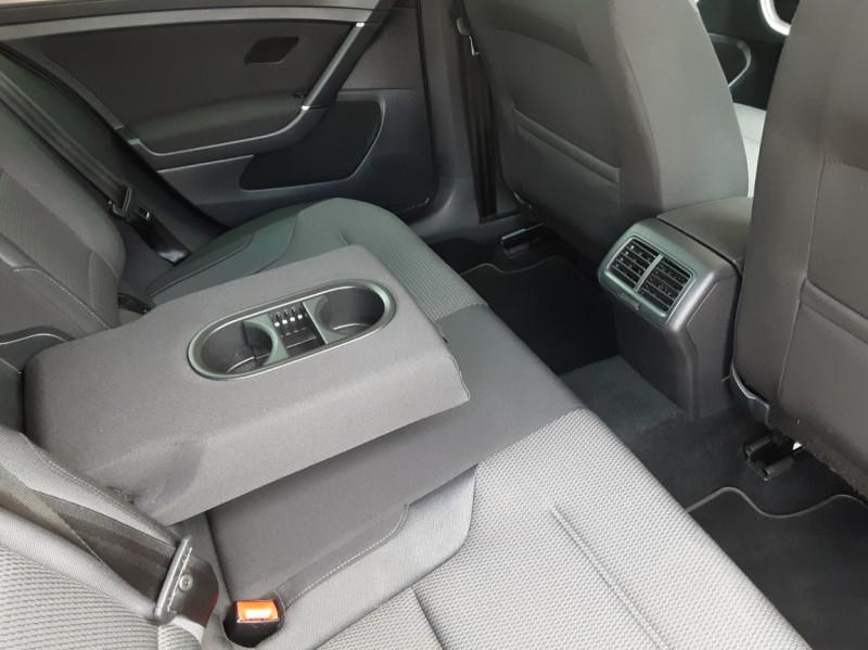 Photo 32 de l'offre de VOLKSWAGEN GOLF 1.6 TDI 115ch BMT FAP Confortline Business à 14490€ chez Centrale auto marché Périgueux