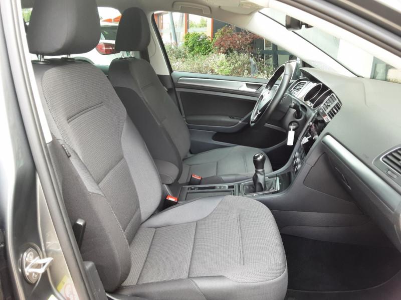 Photo 34 de l'offre de VOLKSWAGEN GOLF 1.6 TDI 115ch BMT FAP Confortline Business à 14490€ chez Centrale auto marché Périgueux