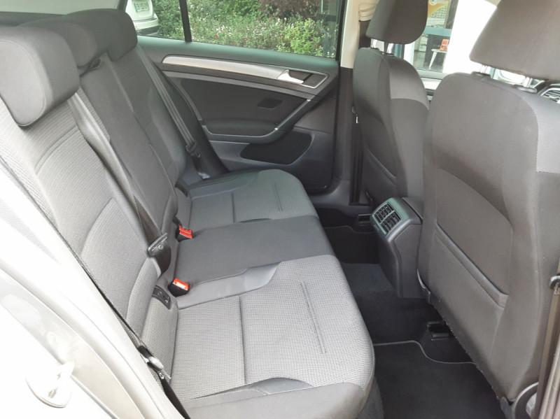Photo 16 de l'offre de VOLKSWAGEN GOLF 1.6 TDI 115ch BMT FAP Confortline Business à 14490€ chez Centrale auto marché Périgueux