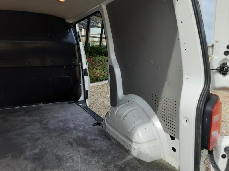 Photo 3 de l'offre de VOLKSWAGEN TRANSPORTER FGN TOLE L1H1 2.0 TDI 114CH  à 22990€ chez Centrale auto marché Périgueux