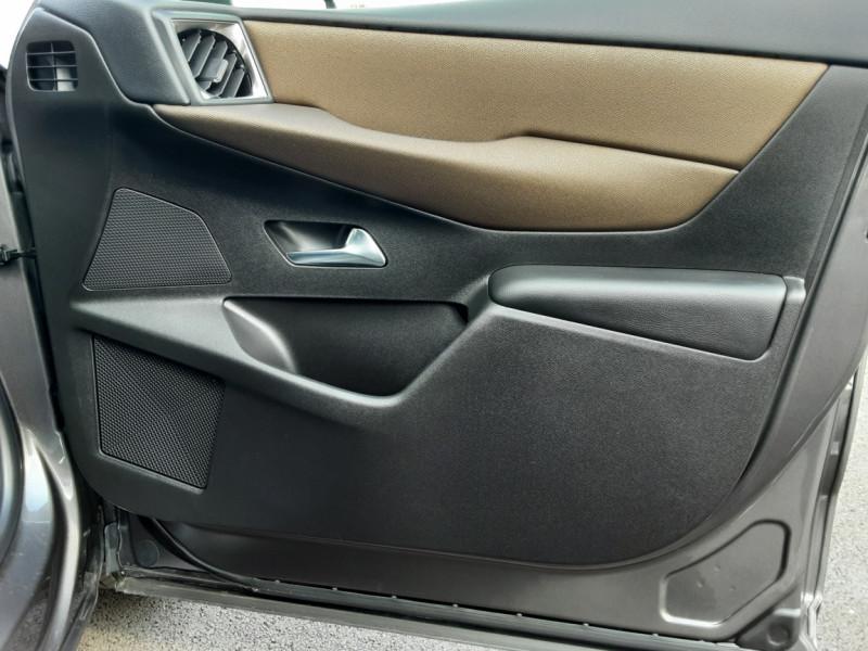 Photo 49 de l'offre de DS DS3 CROSSBACK BlueHDi 100 SetS BVM6 So Chic à 23990€ chez Centrale auto marché Périgueux