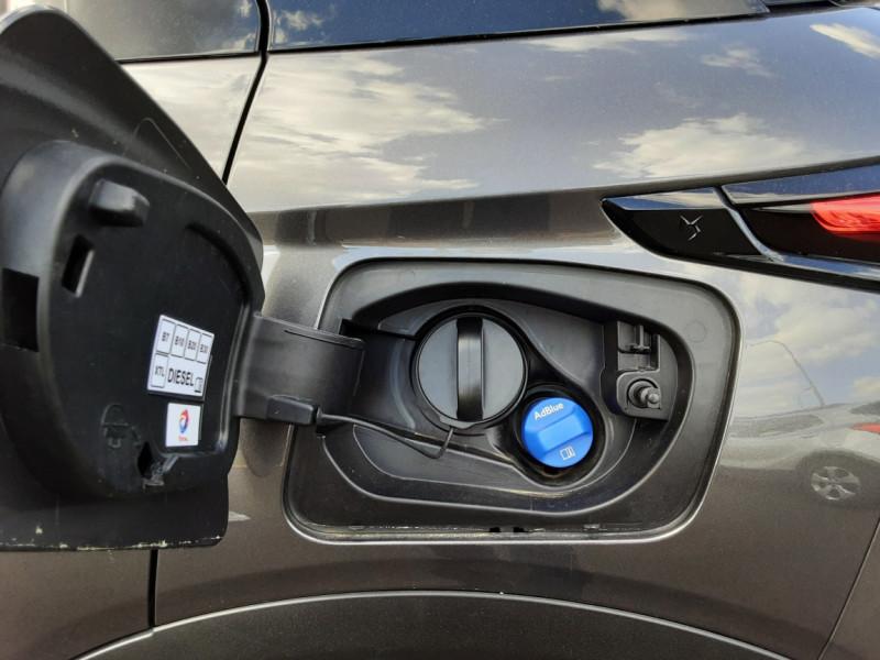 Photo 26 de l'offre de DS DS3 CROSSBACK BlueHDi 100 SetS BVM6 So Chic à 23990€ chez Centrale auto marché Périgueux
