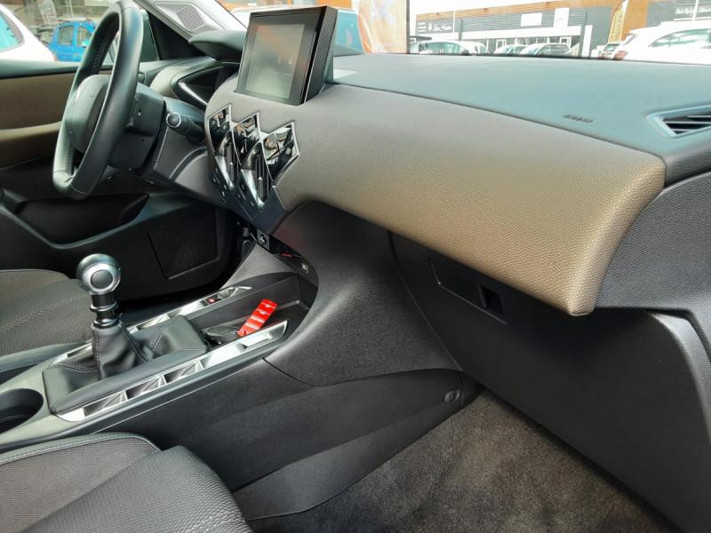 Photo 42 de l'offre de DS DS3 CROSSBACK BlueHDi 100 SetS BVM6 So Chic à 23990€ chez Centrale auto marché Périgueux