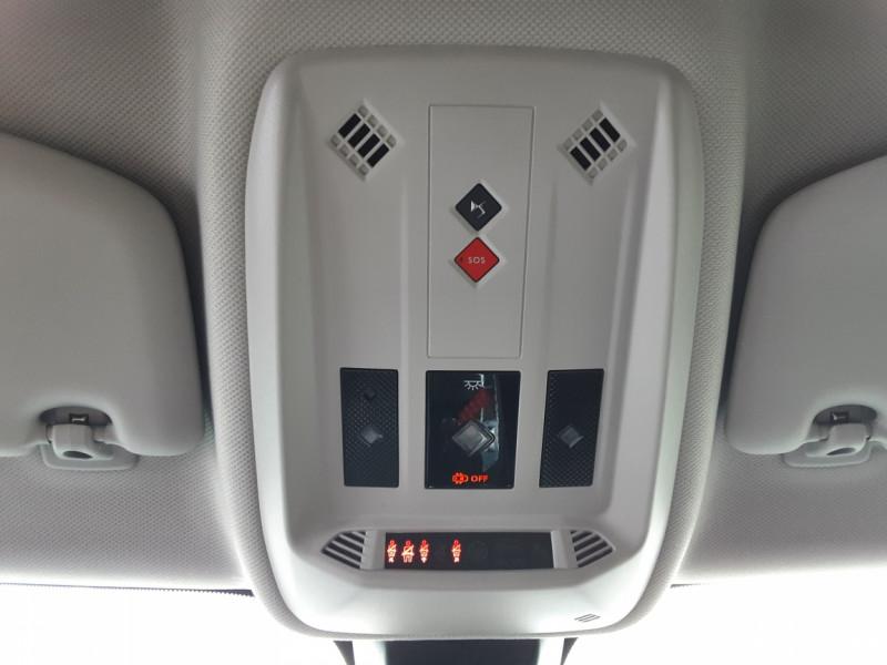 Photo 19 de l'offre de DS DS3 CROSSBACK BlueHDi 100 SetS BVM6 So Chic à 23990€ chez Centrale auto marché Périgueux