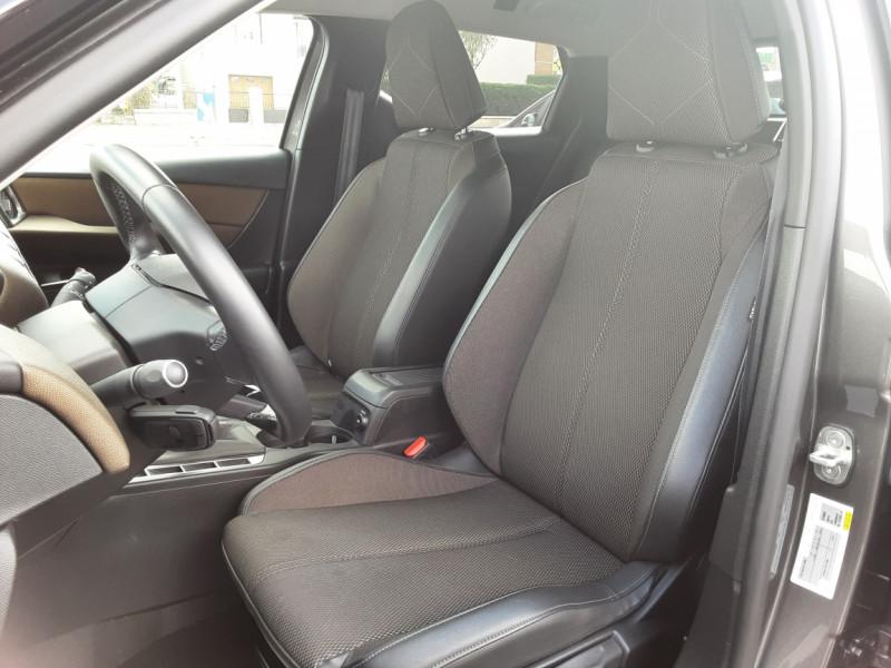 Photo 39 de l'offre de DS DS3 CROSSBACK BlueHDi 100 SetS BVM6 So Chic à 23990€ chez Centrale auto marché Périgueux