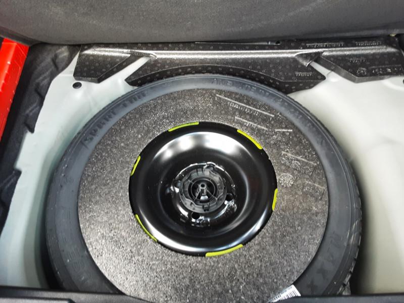 Photo 31 de l'offre de DS DS3 CROSSBACK BlueHDi 100 SetS BVM6 So Chic à 23990€ chez Centrale auto marché Périgueux