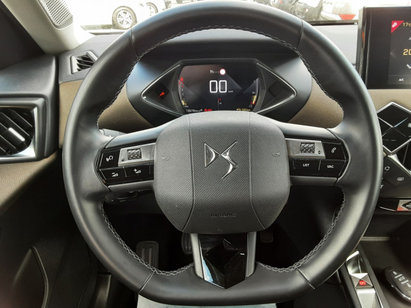 Photo 27 de l'offre de DS DS3 CROSSBACK BlueHDi 100 SetS BVM6 So Chic à 23990€ chez Centrale auto marché Périgueux
