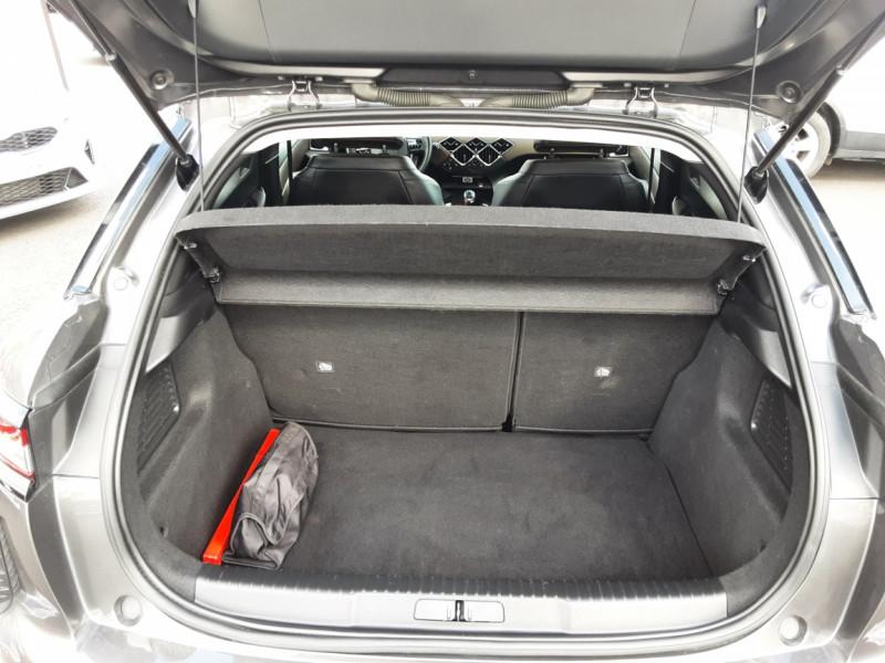 Photo 24 de l'offre de DS DS3 CROSSBACK BlueHDi 100 SetS BVM6 So Chic à 23990€ chez Centrale auto marché Périgueux