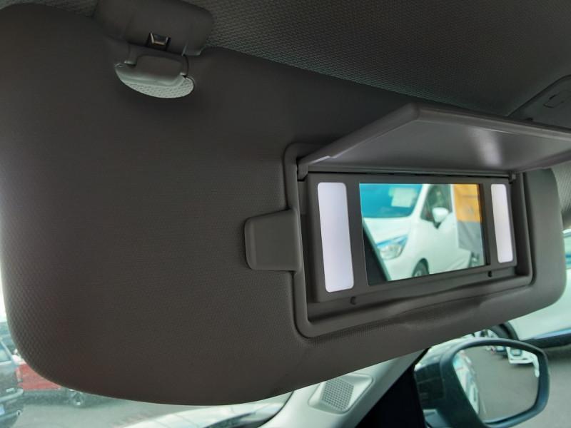 Photo 14 de l'offre de DS DS3 CROSSBACK BlueHDi 100 SetS BVM6 So Chic à 23990€ chez Centrale auto marché Périgueux