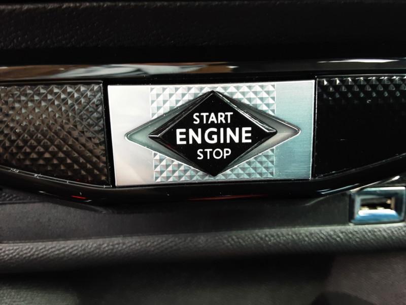 Photo 20 de l'offre de DS DS3 CROSSBACK BlueHDi 100 SetS BVM6 So Chic à 23990€ chez Centrale auto marché Périgueux