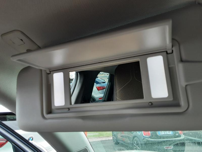 Photo 16 de l'offre de DS DS3 CROSSBACK BlueHDi 100 SetS BVM6 So Chic à 23990€ chez Centrale auto marché Périgueux