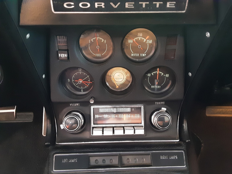 Photo 39 de l'offre de CHEVROLET CORVETTE C3 big Block 427ci V8 à 68000€ chez Centrale auto marché Périgueux