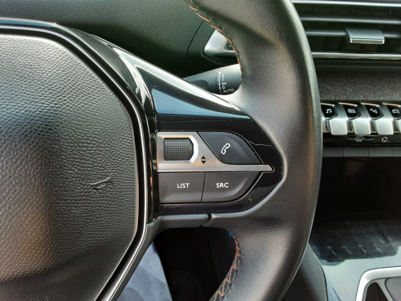 Photo 16 de l'offre de PEUGEOT 3008 1.6 BlueHDi 120ch SetS BVM6 Active Business à 16900€ chez Centrale auto marché Périgueux