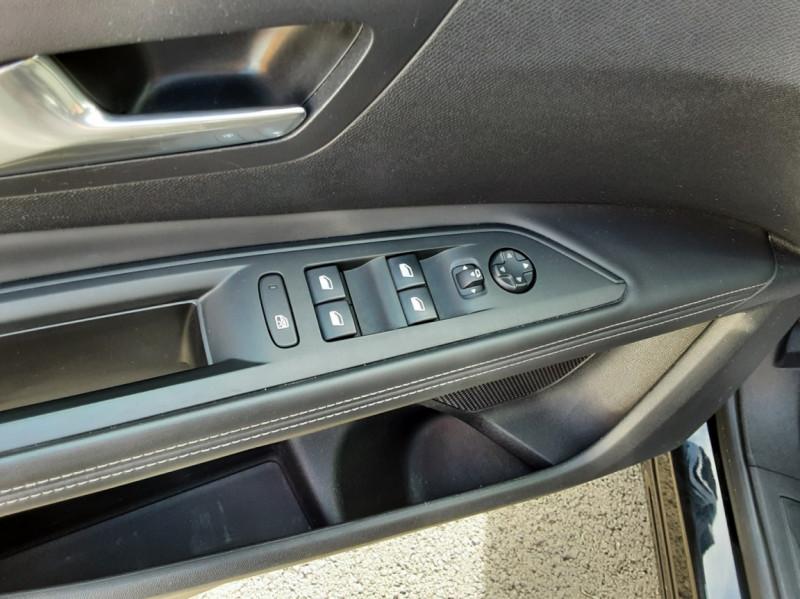 Photo 18 de l'offre de PEUGEOT 3008 1.6 BlueHDi 120ch SetS BVM6 Active Business à 16900€ chez Centrale auto marché Périgueux