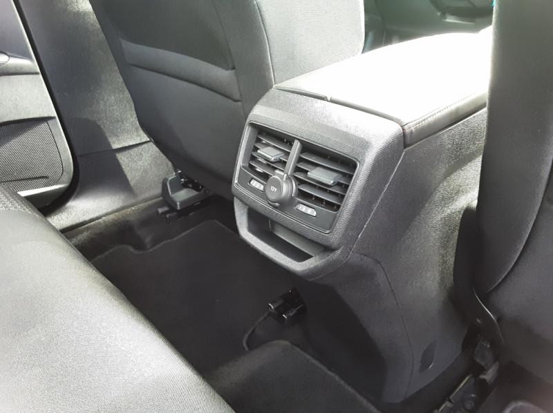 Photo 34 de l'offre de PEUGEOT 3008 1.6 BlueHDi 120ch SetS BVM6 Active Business à 16900€ chez Centrale auto marché Périgueux
