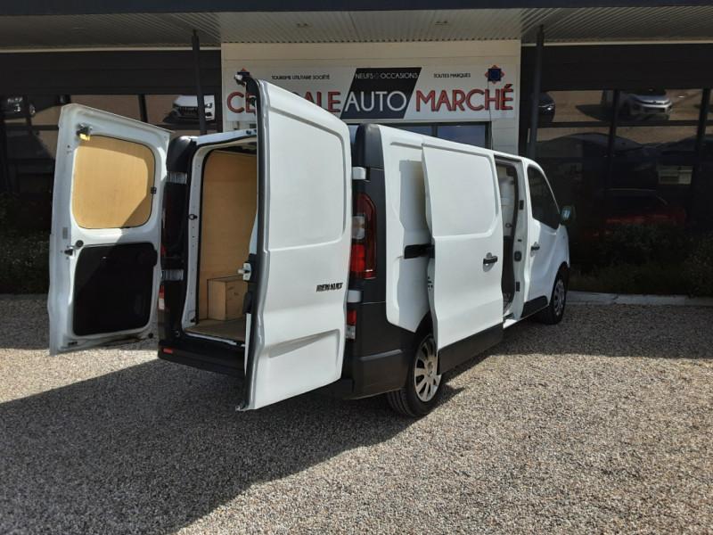 Photo 17 de l'offre de RENAULT TRAFIC L2H1 DCI 120ch GRAND CONFORT à 20990€ chez Centrale auto marché Périgueux