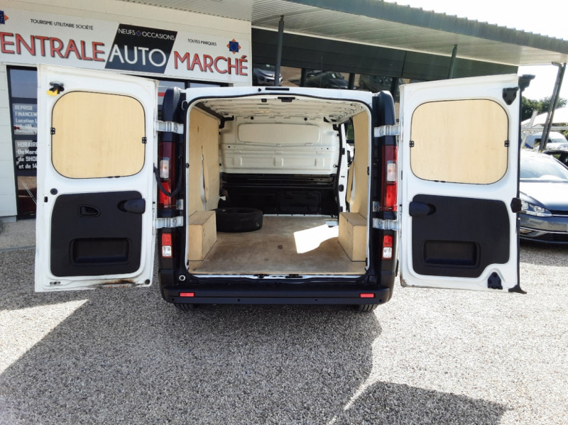 Photo 15 de l'offre de RENAULT TRAFIC L2H1 DCI 120ch GRAND CONFORT à 20990€ chez Centrale auto marché Périgueux