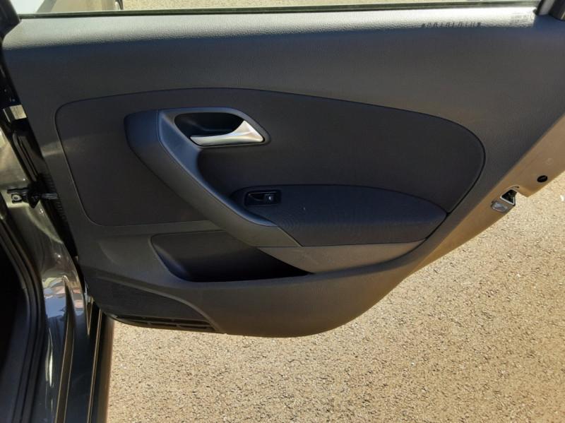 Photo 34 de l'offre de VOLKSWAGEN POLO 1.4 TDI 75 BMT Confortline à 10900€ chez Centrale auto marché Périgueux