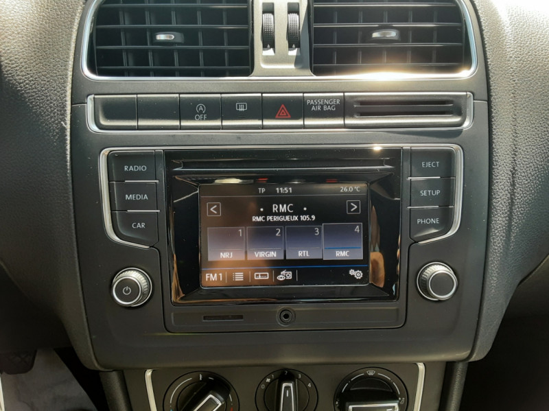 Photo 18 de l'offre de VOLKSWAGEN POLO 1.4 TDI 75 BMT Confortline à 10900€ chez Centrale auto marché Périgueux