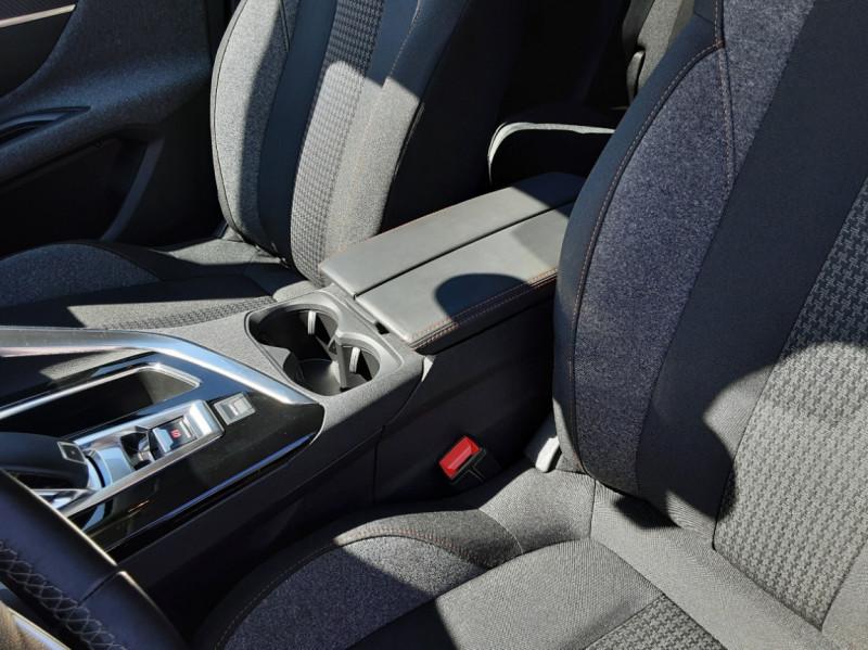 Photo 12 de l'offre de PEUGEOT 3008 BlueHDi 130ch SetS EAT8 Active Business à 20500€ chez Centrale auto marché Périgueux