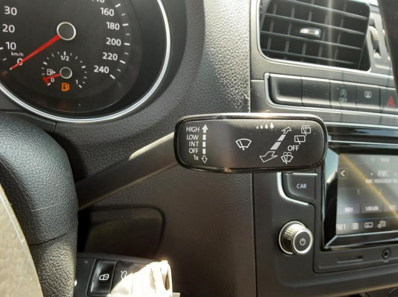 Photo 37 de l'offre de VOLKSWAGEN POLO 1.4 TDI 75 BMT Confortline à 10900€ chez Centrale auto marché Périgueux