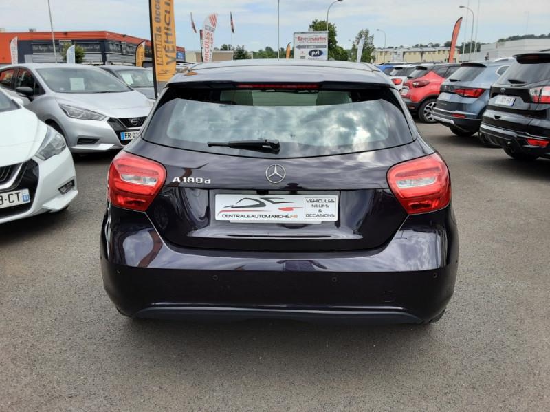 Photo 9 de l'offre de MERCEDES-BENZ CLASSE A 180 d Business Edition à 17990€ chez Centrale auto marché Périgueux