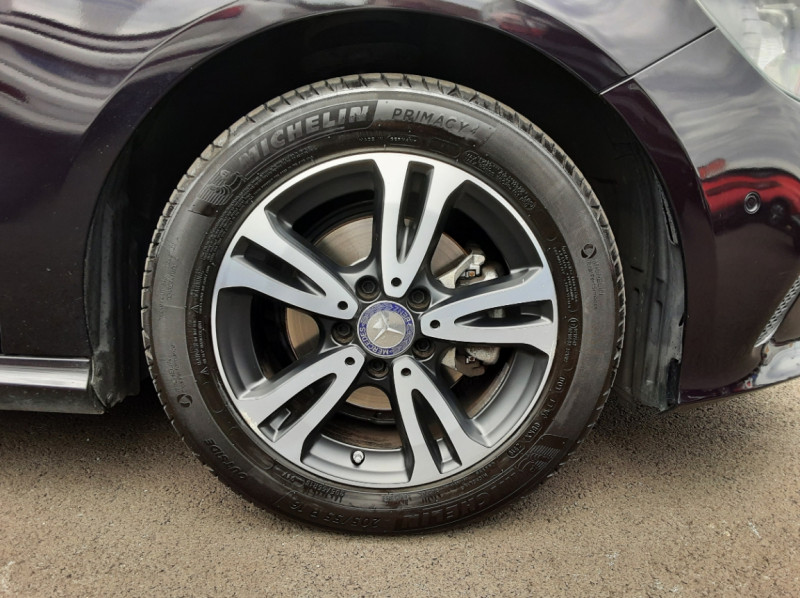 Photo 33 de l'offre de MERCEDES-BENZ CLASSE A 180 d Business Edition à 17990€ chez Centrale auto marché Périgueux