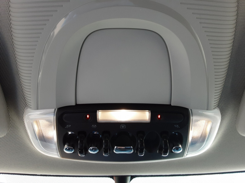 Photo 47 de l'offre de MINI MINI Cooper D 116 ch Edition Shoreditch A à 20500€ chez Centrale auto marché Périgueux