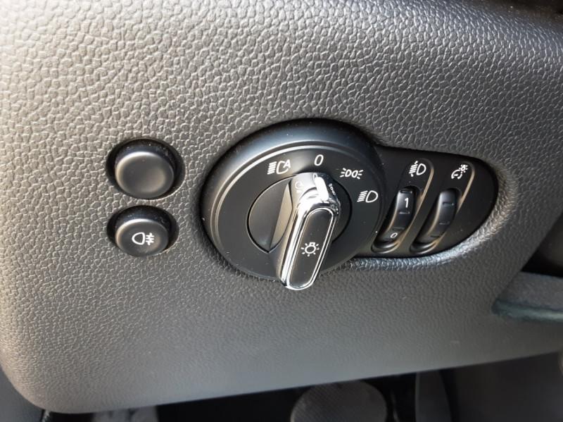 Photo 10 de l'offre de MINI MINI Cooper D 116 ch Edition Shoreditch A à 20500€ chez Centrale auto marché Périgueux