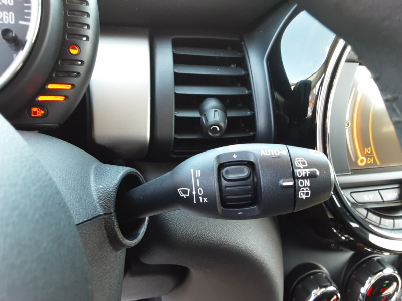 Photo 46 de l'offre de MINI MINI Cooper D 116 ch Edition Shoreditch A à 20500€ chez Centrale auto marché Périgueux