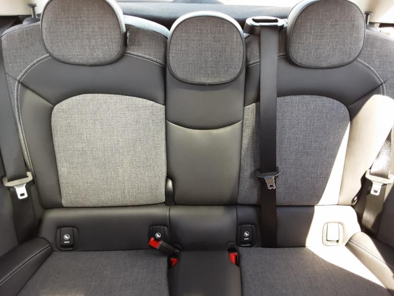Photo 31 de l'offre de MINI MINI Cooper D 116 ch Edition Shoreditch A à 20500€ chez Centrale auto marché Périgueux